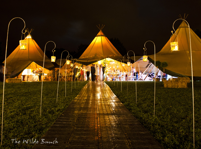 Floral designs for tipis