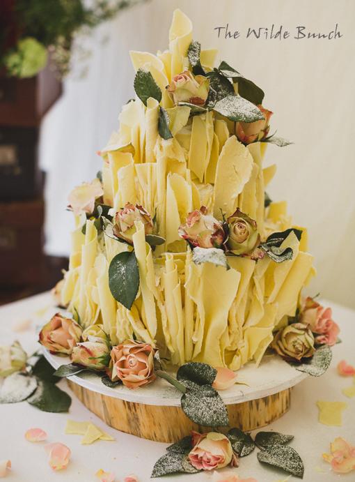 Wedding cake flowers