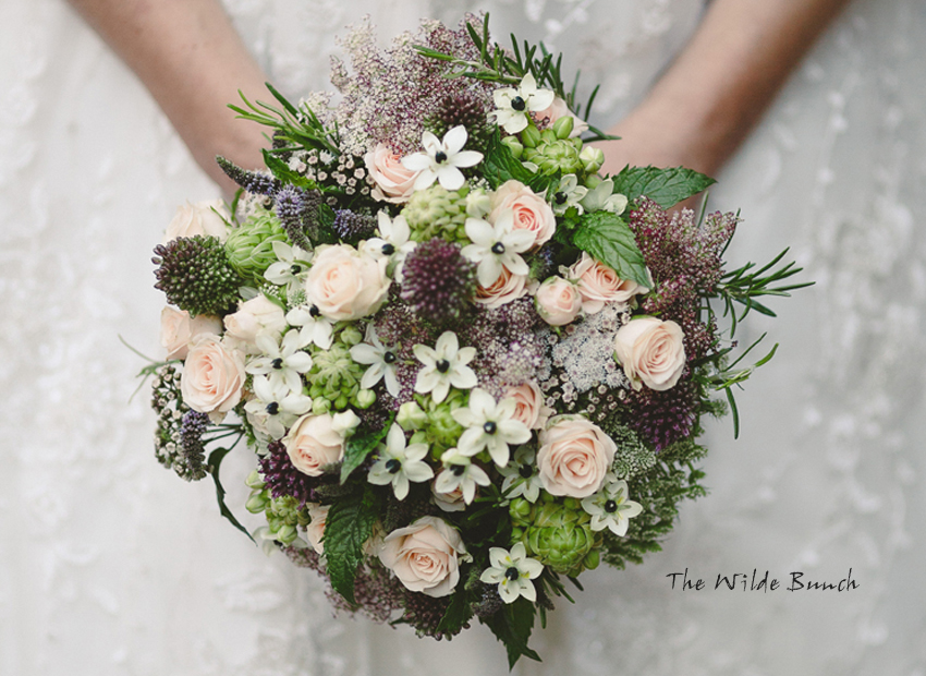 Wilde bunch, Autumn bridal flowers